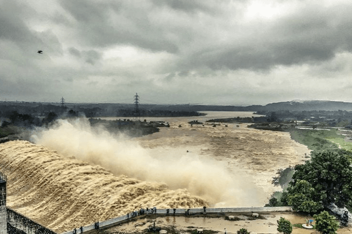 Tenughat Dam during monsoon - Tripinfi