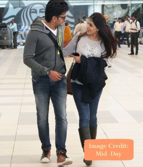 Ritesh and Genelia, Top 10 Airport Looks of Bollywood Couples For Your Next Trip - Tripinfi